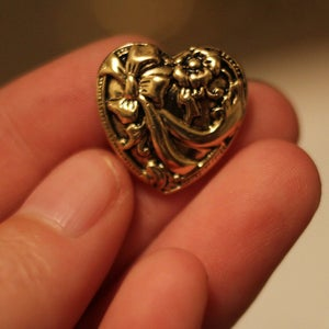 Image of Gold Floral Heart Plugs (sizes 0g-9/16)