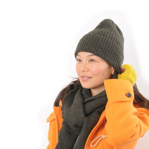 Image of Soft Tweed Cashmere Mix Rib Hat in Green