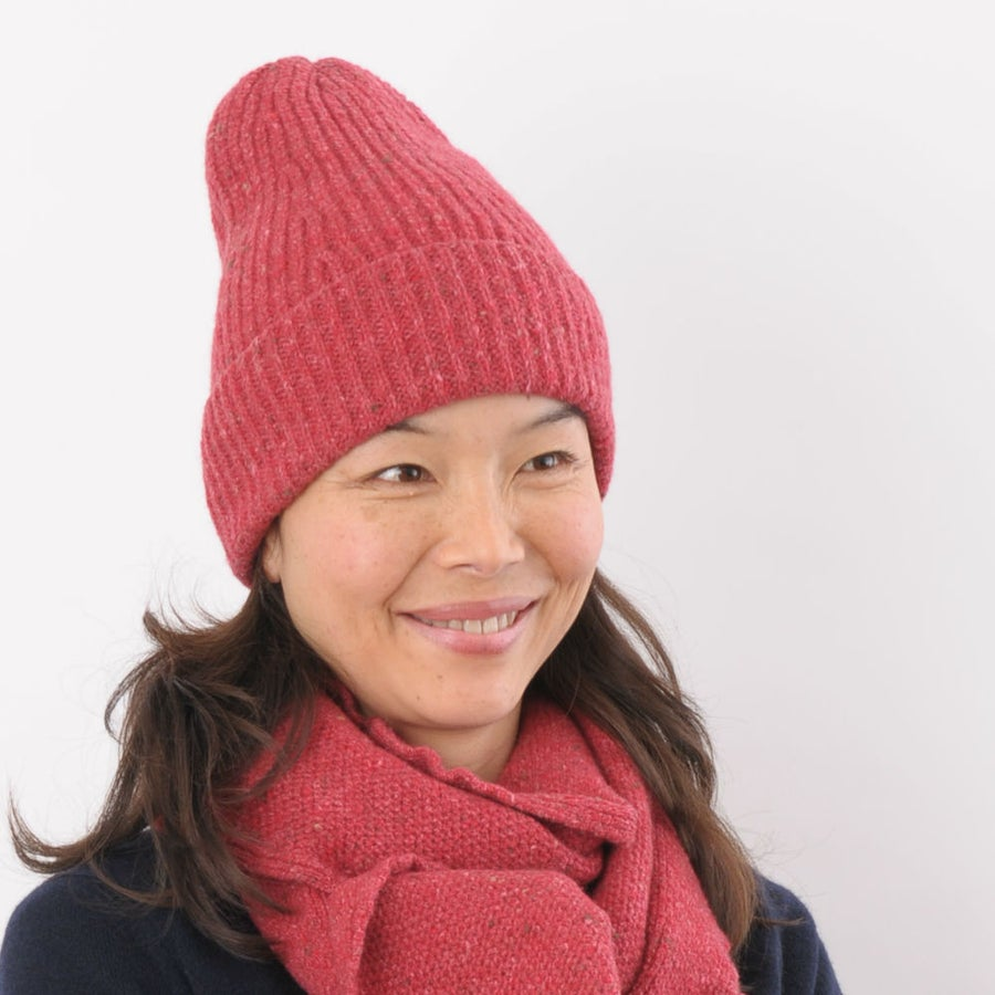 Image of Soft Tweed Cashmere Mix Rib Hat in Raspberry Red