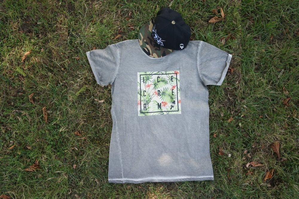 Image of SUMMER PARADIES DENIM PLUG MEN TEE / GRAY CLASH