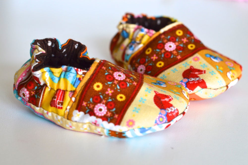 Image of Reversible Baby Crib Shoes Sewing Pattern