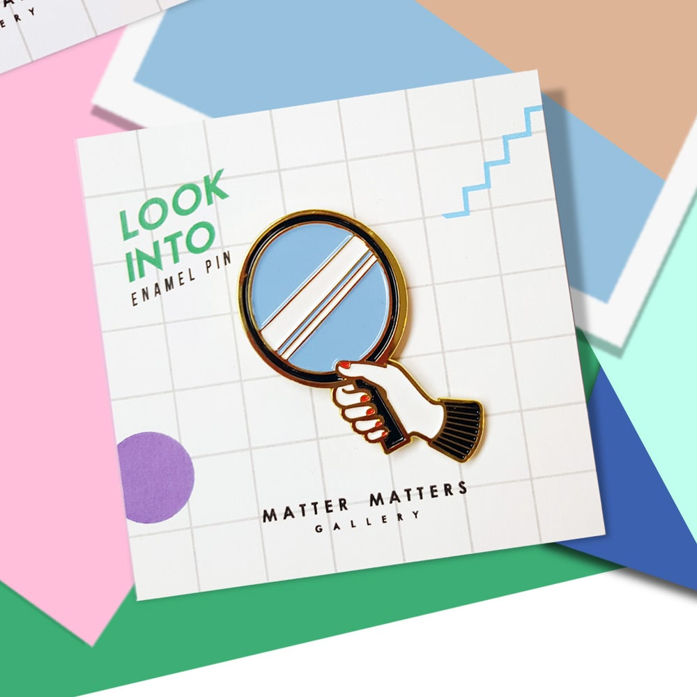 Look into- Enamel pin *18K- Gold Plated