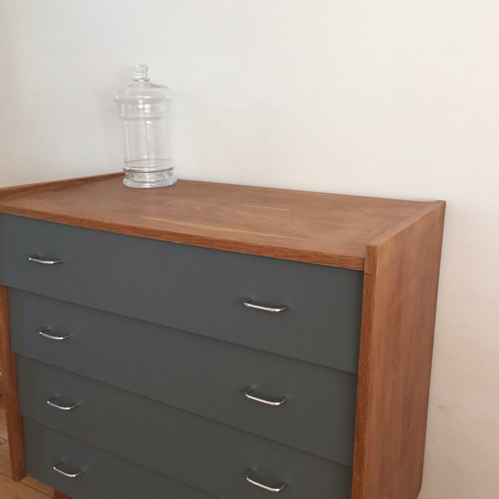 Image of Jeannette, Commode pieds compas