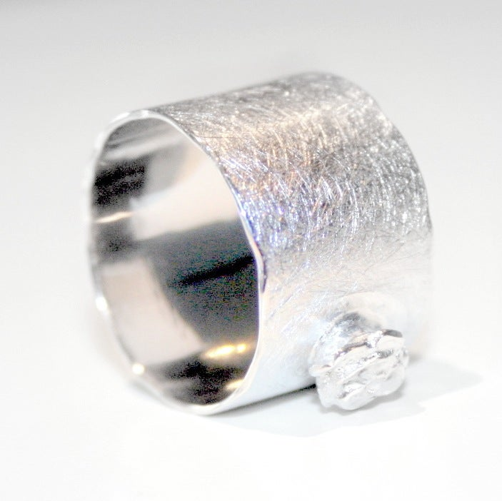 Image of Ring met roosje - zilver, handgemaakte ringen, Antwerpen, goud en zilver