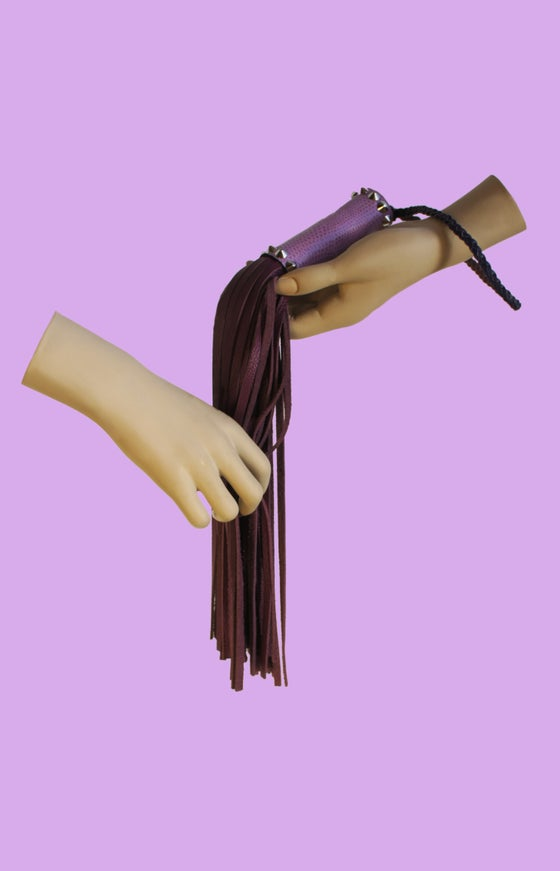 Image of Royal Leather flogger in lavender and fuchsia
