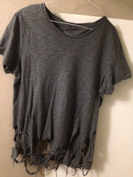 0312bb9a Image of Distressed heather grey shirt