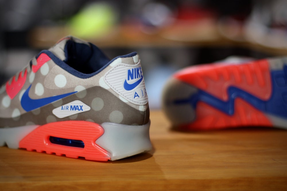 "Image of NIKE AIR MAX 90 ICE QS ""NYC"""