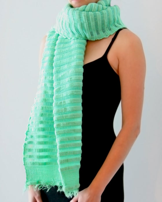 Image of Écharpe en coton épais vert/ Thick green cotton scarf