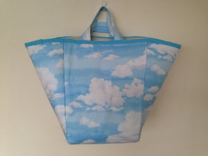 Image of 'Clouds' box bag
