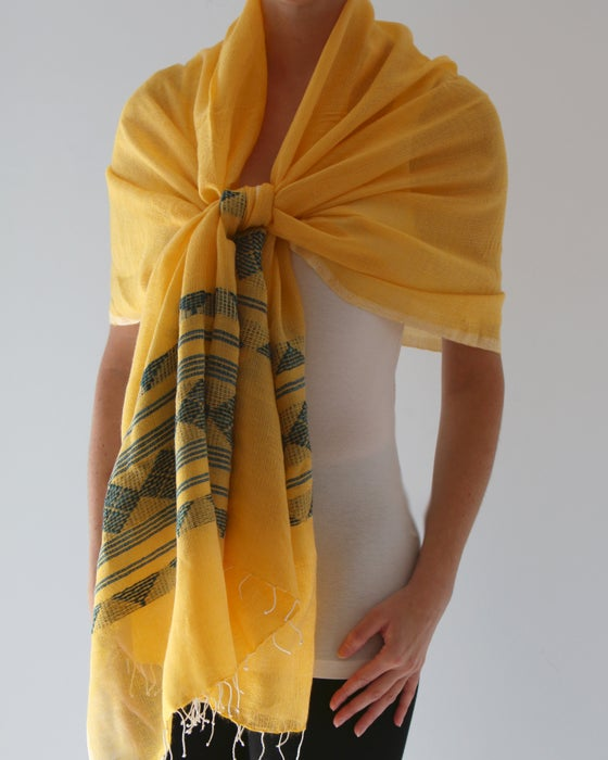 Image of Écharpe jaune d'automne #3/ Fall yellow scarf #3