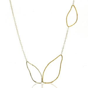 Image of Long Leaves Necklace
