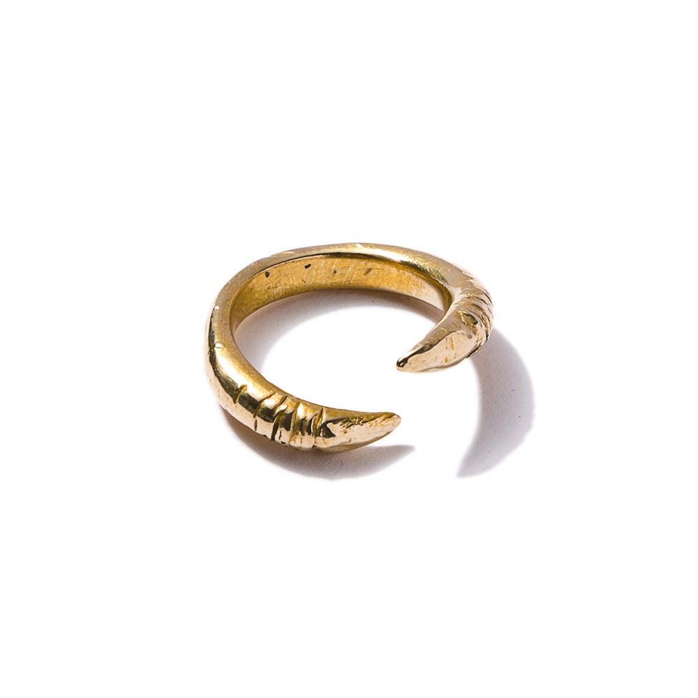 Image of Claw Ring