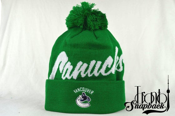 Image of VANCOUVER CANUCKS GREEN & WHITE NHL MITCHELL & NESS WINTER BEANIE