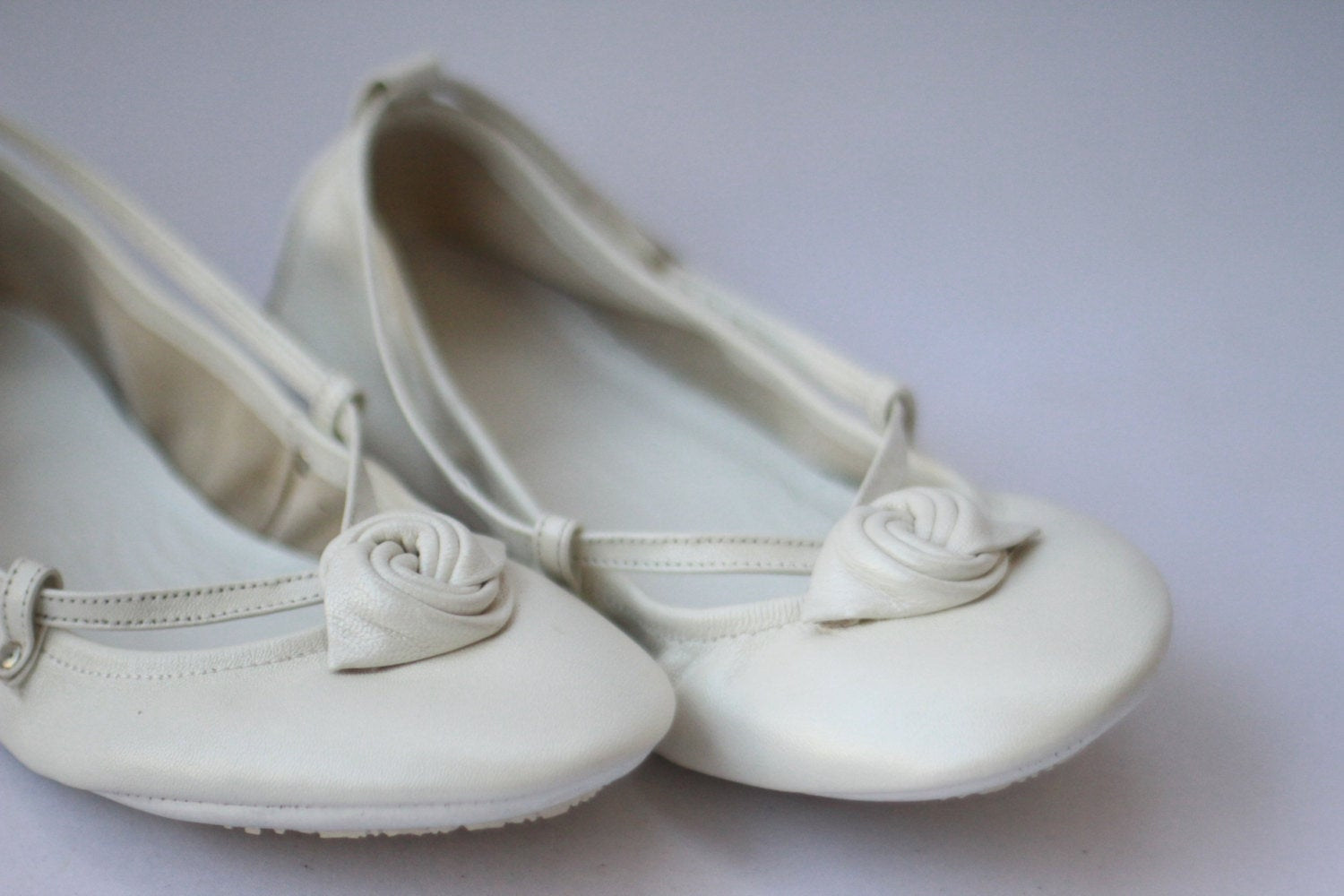 The Drifter Leather handmade shoes — Ballet Flats Foldable - Ivory ...