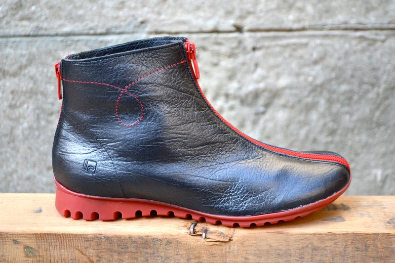 detailing 92810 79317 red sole, black leather, boot, frontal zip | La Sabateria ...