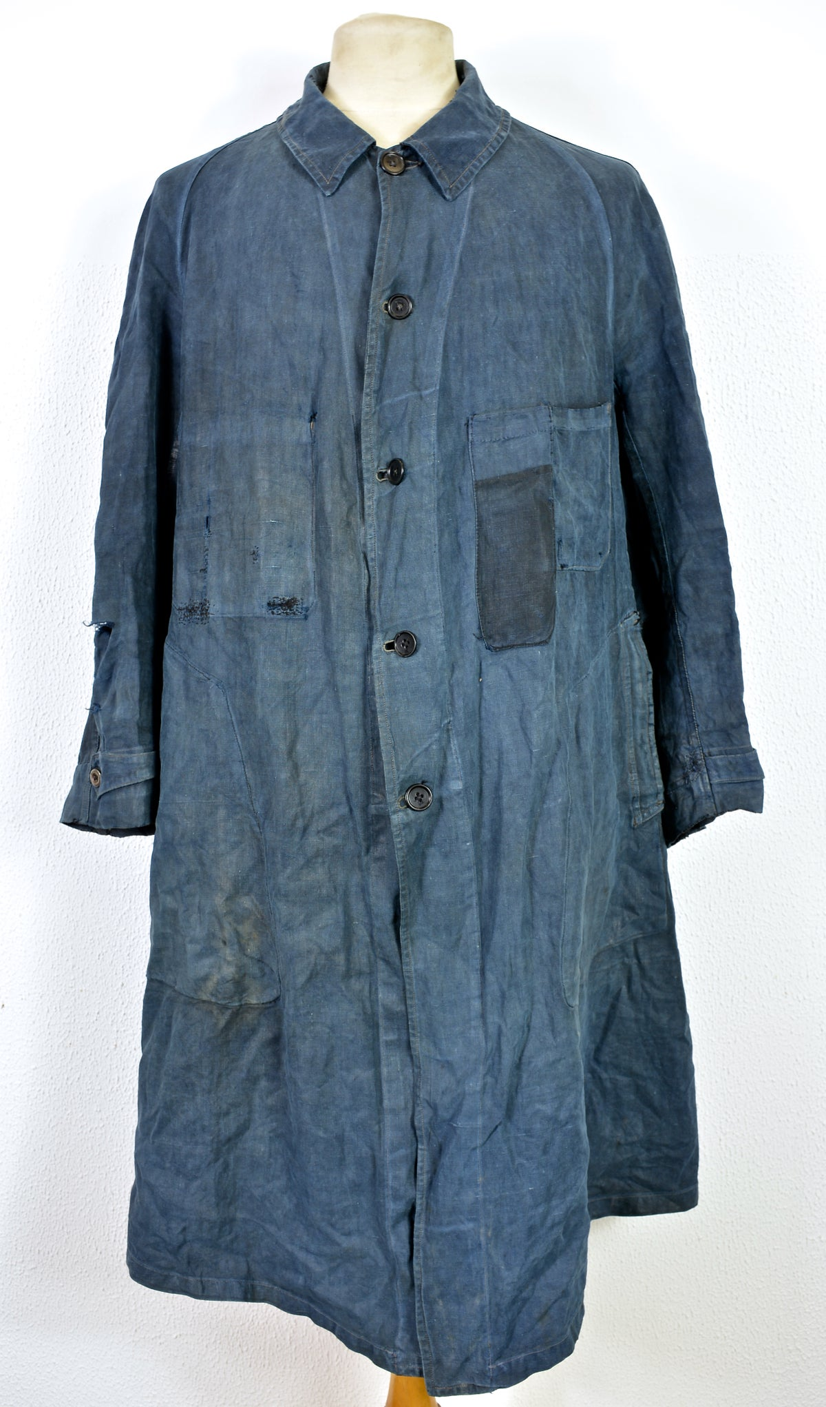 "Image of 1900's FRENCH INDIGO LINEN ""blouse de maquignon"" COAT DARNED 2"