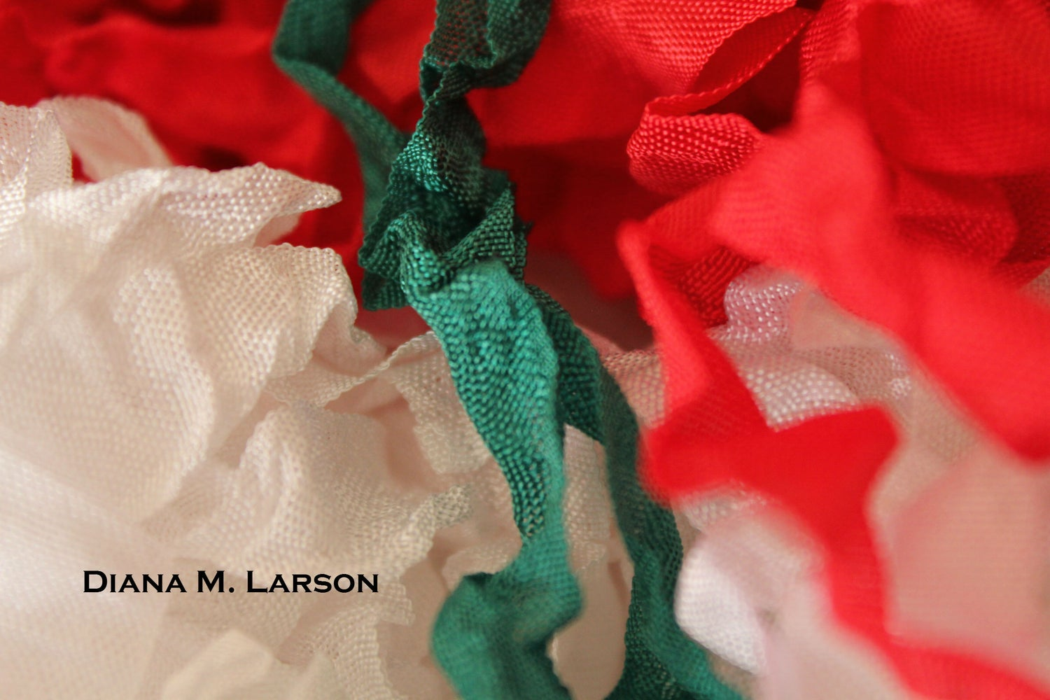 Image of Traditional Christmas Bundle, Crinkle ribbon