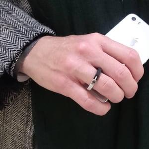 Image of Ring 'Dovetail ebony'