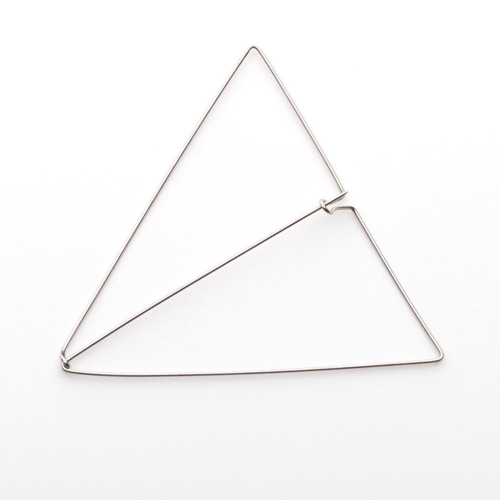 Image of L'Essentiel : broche triangle