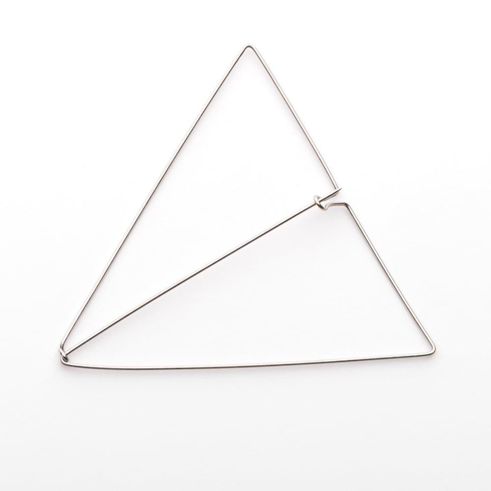 Image of L'Essentiel : broche triangle