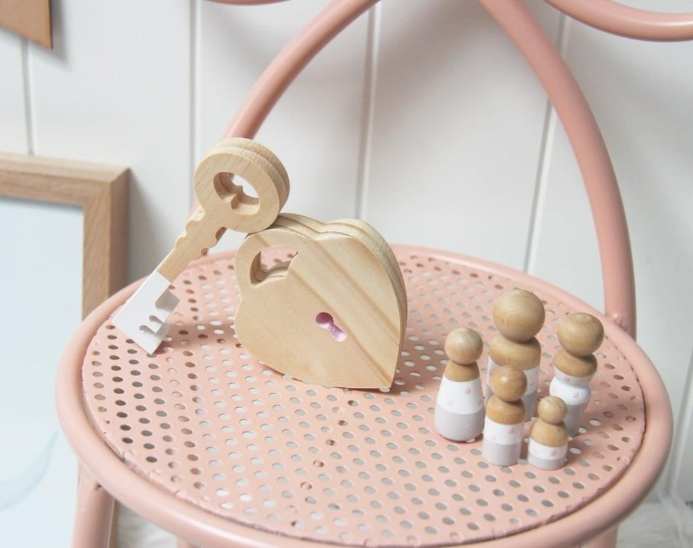 Image of Heart Locket and key shelf set