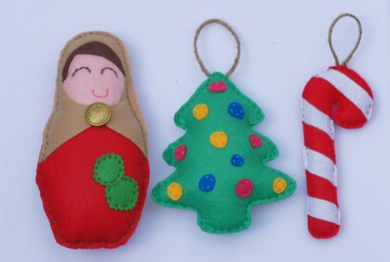 Image of MATRYOSHKA AND 2 CHRISTMAS ORNAMENTS