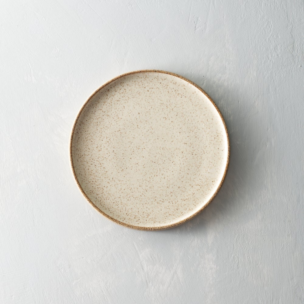 Image of Creamy speckled plate