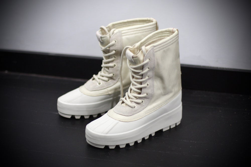 "Image of ADIDAS X YEEZY 950 WMNS SEASON 1 ""TURTLE"""