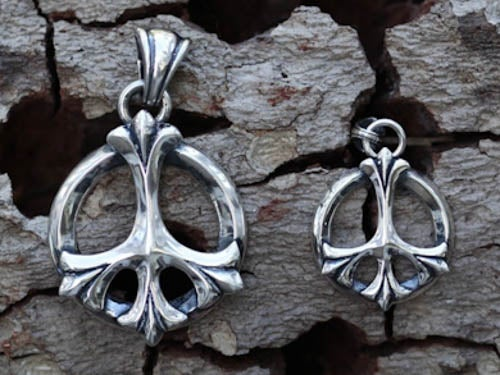 "Image of Small ""Fleur de Peace"" Pendant - Sterling Silver"