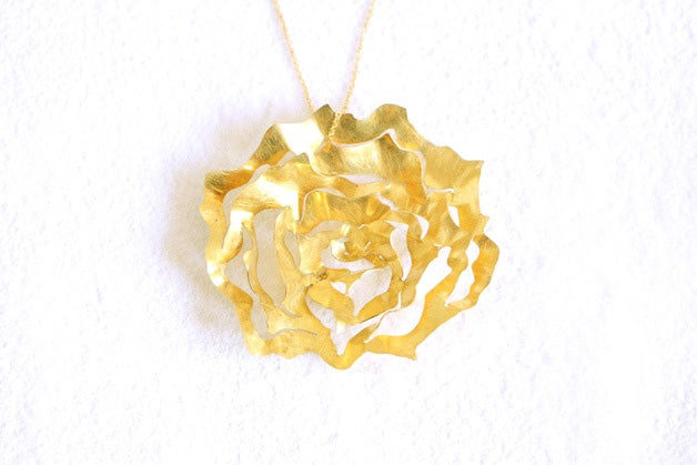 Image of Ethereal rose, Pendant in Fairmined gold 18k