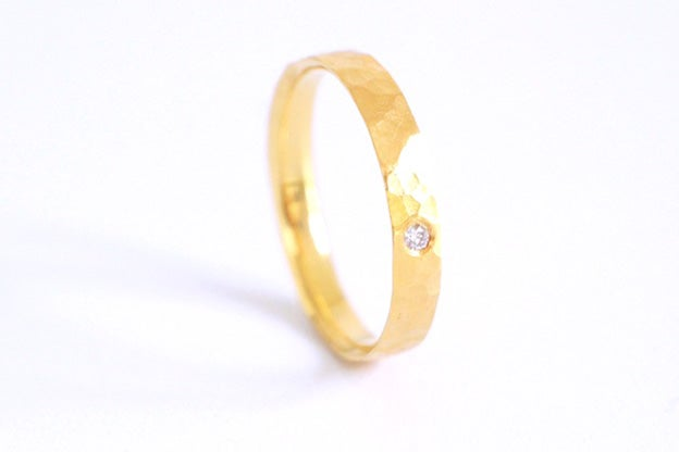 Image of Rumeur, Wedding ring in Fairmined gold 18k with white diamond