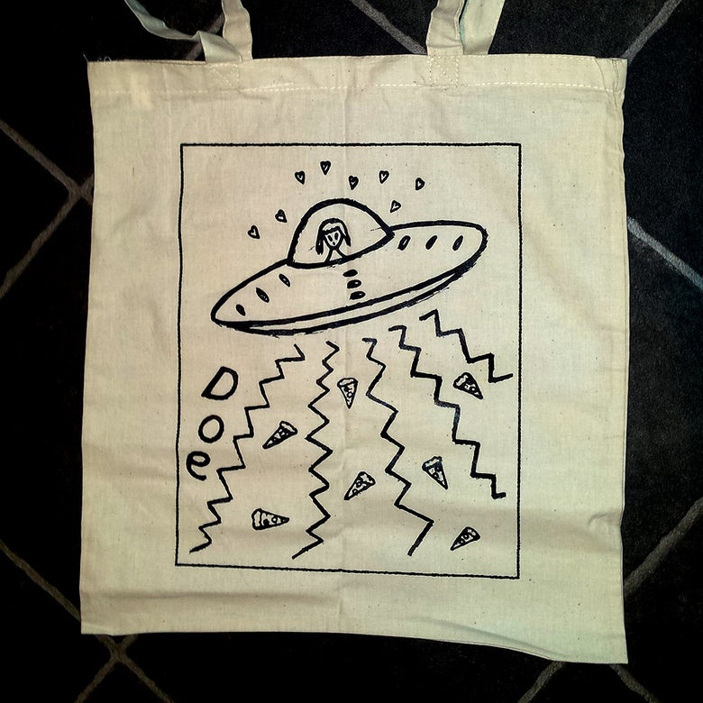 Image of Alien & Pizza tote bag