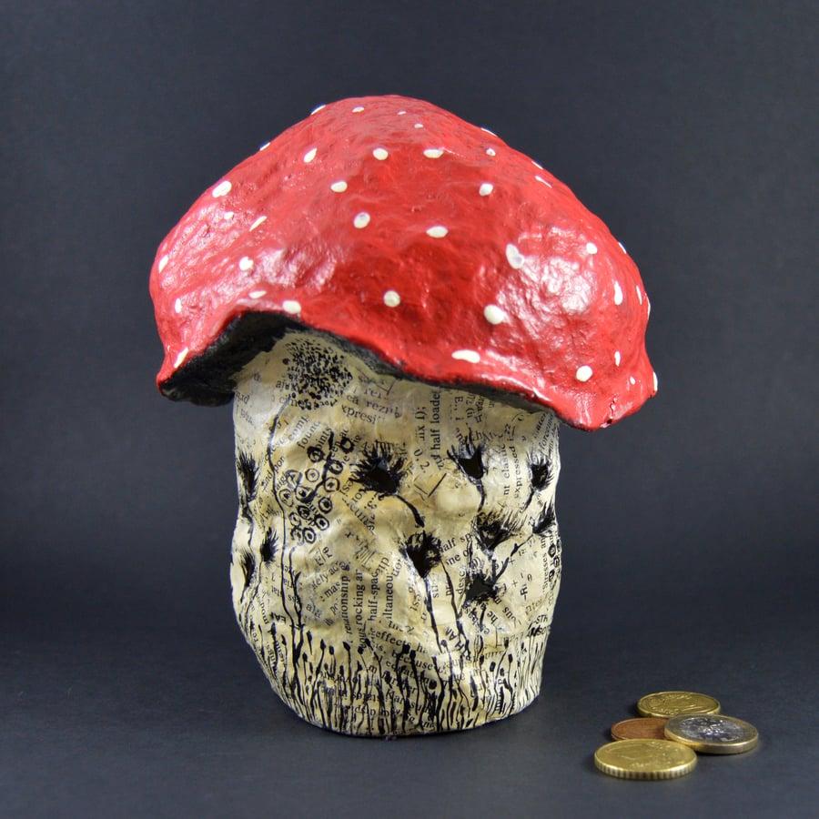 Image of Cogumelo mealheiro / Mushroom-shaped money box