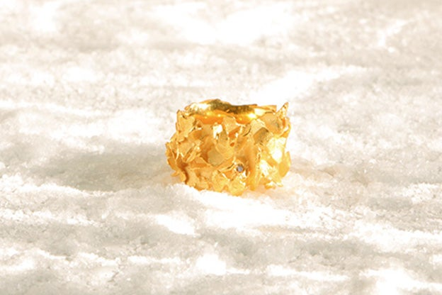Image of Nako, Ring in solid 18k gold with a cognac diamond