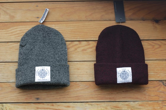 "Image of ""COMPASS"" - ANTIQUE GREY / ANTIQUE BURGUNDY BEANIE"