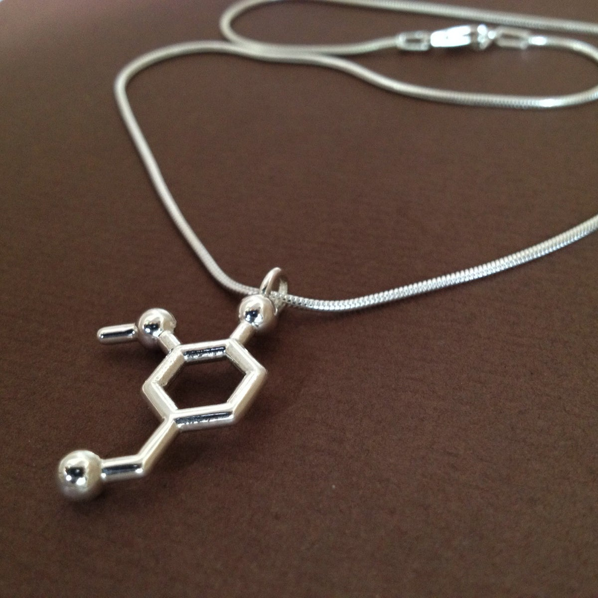 Image of vanillin necklace