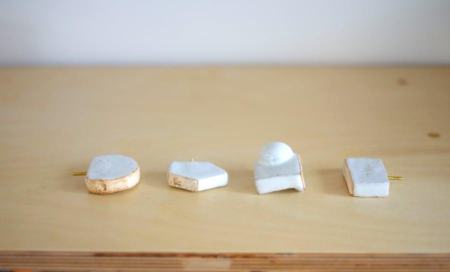 Image of f2 ceramic knob