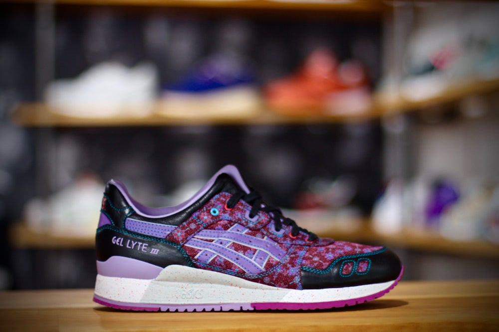 Image of ASICS GEL LYTE III x LIMITED EDITION 'VANDA""