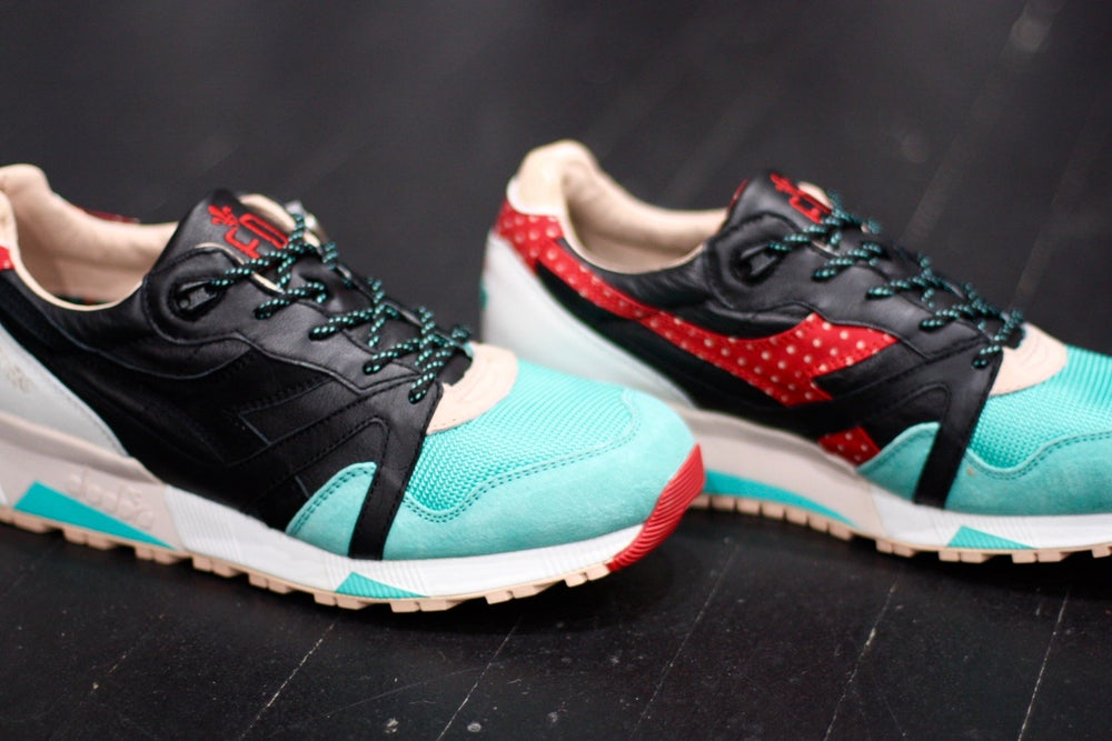 "Image of DIADORA N9000 X LIMITED EDT ""CASTELLERS"""