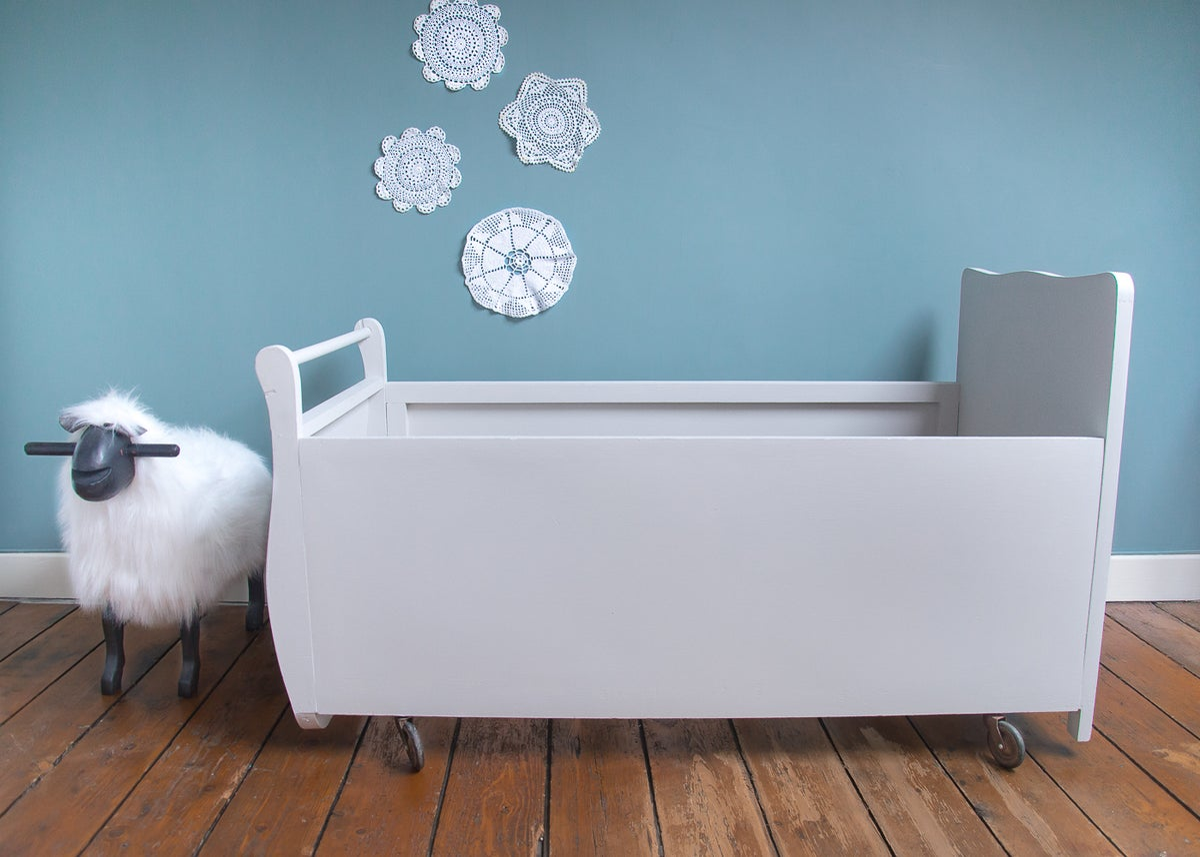 lit de b b roulettes isidore shop. Black Bedroom Furniture Sets. Home Design Ideas