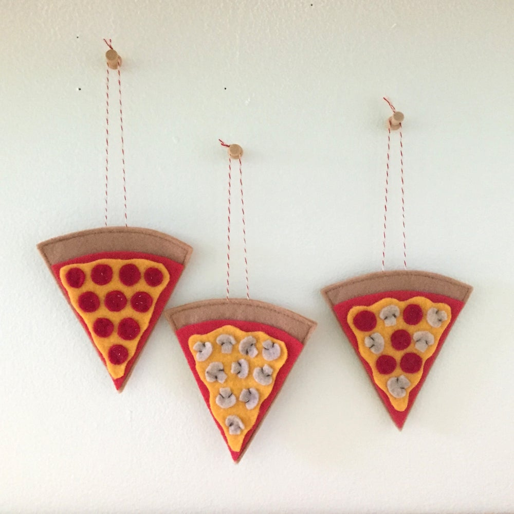Image of pizza slice ornament