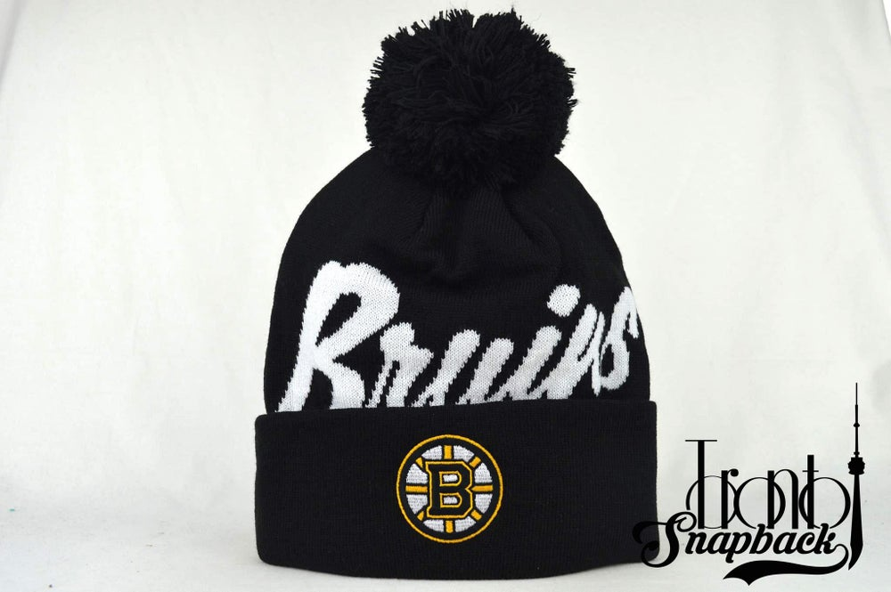 Image of BOSTON BRUINS BLACK & WHITE NHL MITCHELL & NESS BEANIE