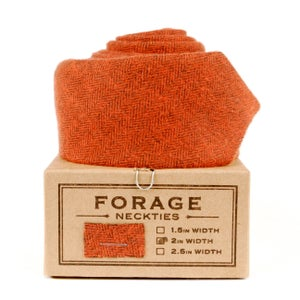 Image of cinnamon {necktie}