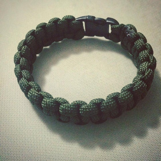 Image of  [paracord_braclet_army_green]