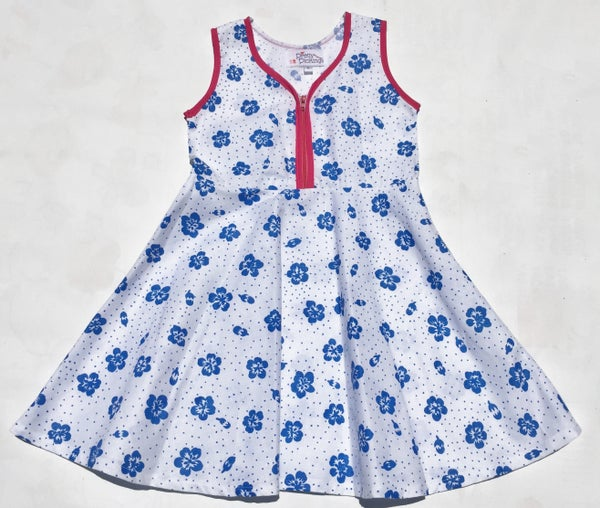 Image of Size 2 'Vintage Twirl' Dress - blue flowers