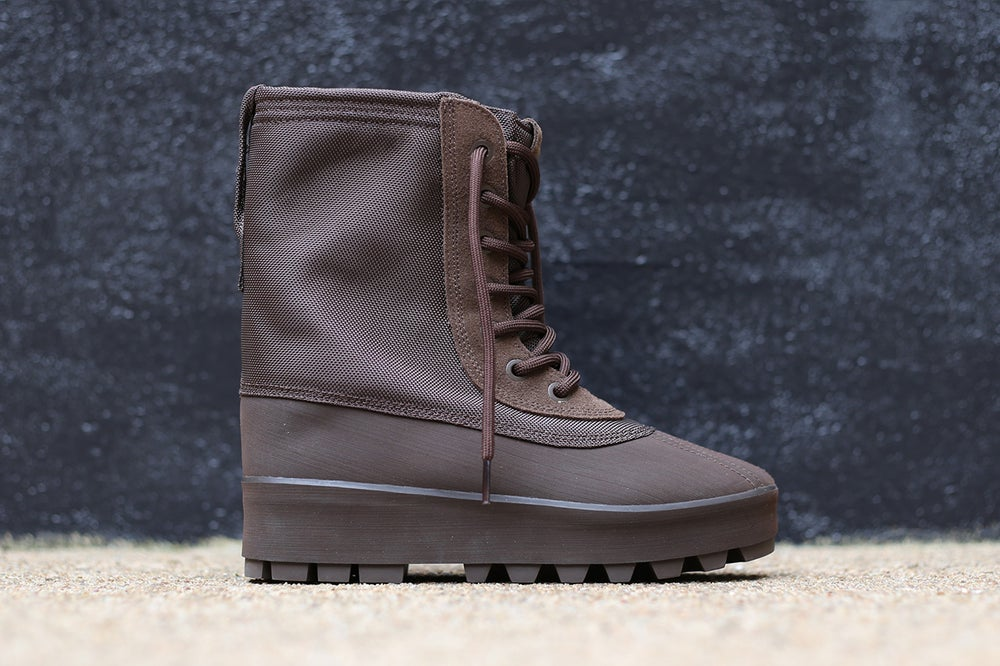 "Image of ADIDAS YEEZY 950 MENS ""CHOCLATE"""