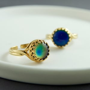 Image of Feelin' Fine - Gold Stone Mood Ring