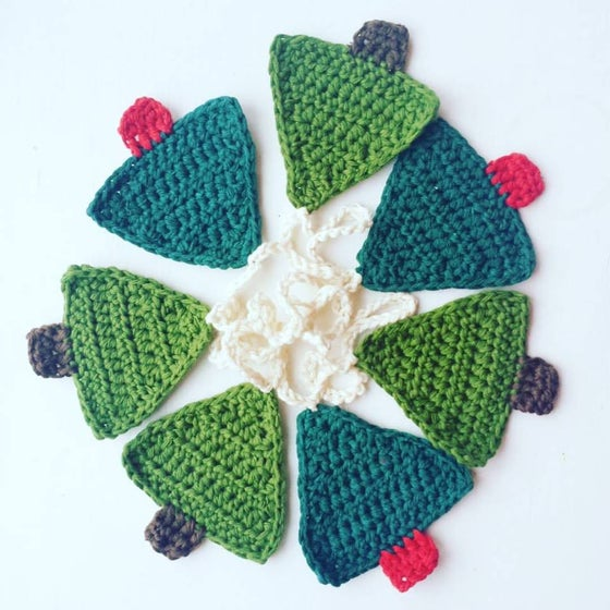 Image of Crochet Christmas Tree Bunting
