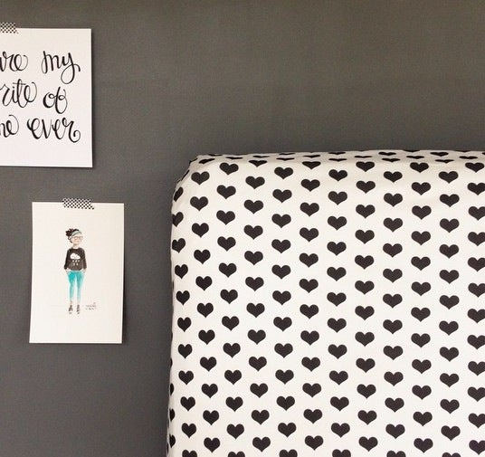 Image of House of Mia Signature organic cotton fitted crib sheet