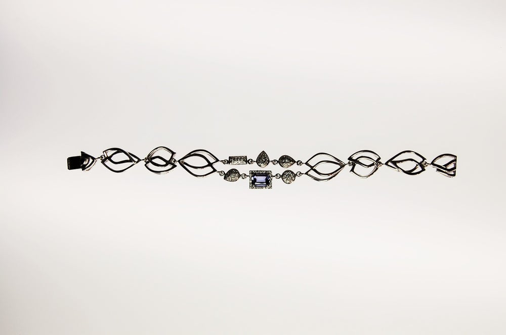 Image of Tratti Diamonds & Iolite bracelet